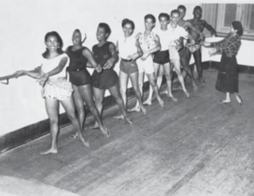 mercedes ensinando danca