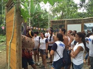 bracui14-11-marilda e escola
