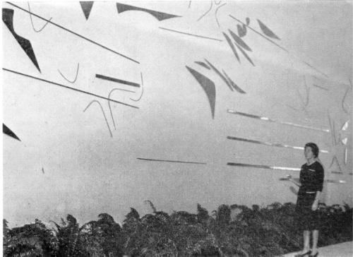fayga-em-frente-ao-mural-da-hebraica-rio-de-janeiro-inaugurado-em-19--de-maio-de-1962